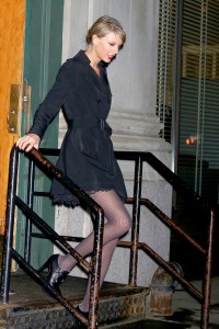taylor swift street fashion
