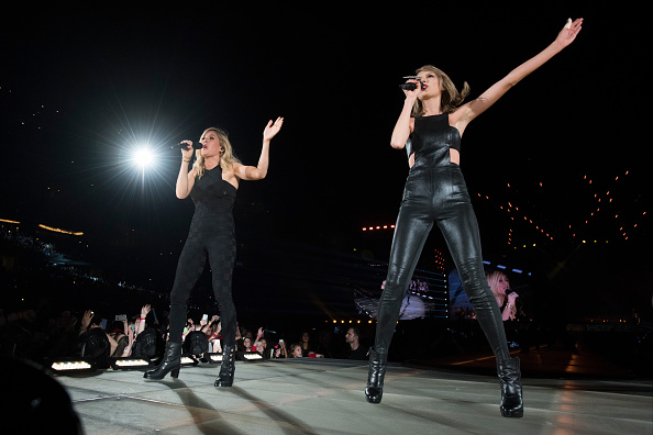 Taylor swift and ellie goulding performing love me like you do in 1989 world tour