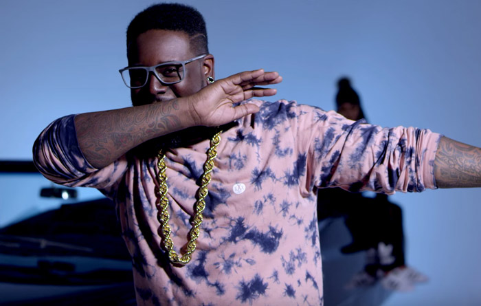 t-pain laugh n dab music video review