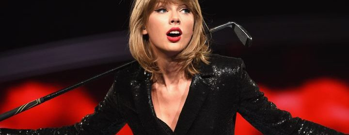 taylor swift performs blank space at fans wedding after breakup