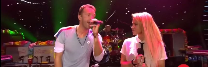 coldplay a sky full of stars live shakira 2017