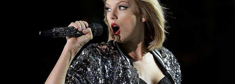 Taylor Swift releasew first single look what you made me do lyrics review and song meaning