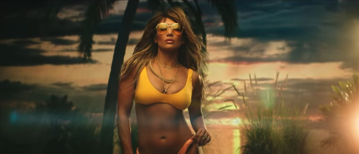 jennifer lopez te guste bad bunny video abs hot